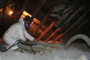 blowing_attic_cellulose_to_R-504-300x200